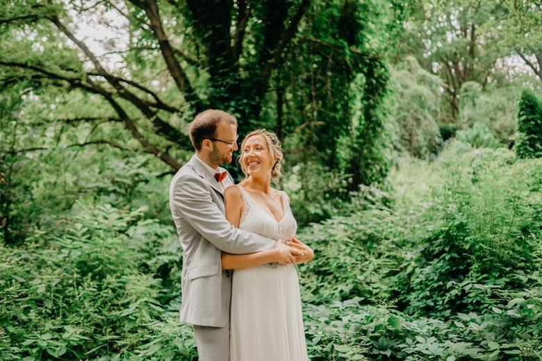 verliebtes Brautpaar Posen