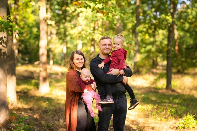 Fotoshooting in der Natur mit Familie