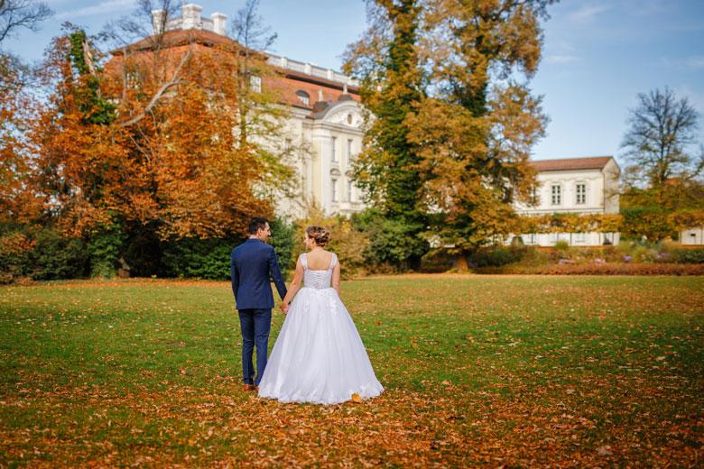 Heiraten im Herbst Schlosspark