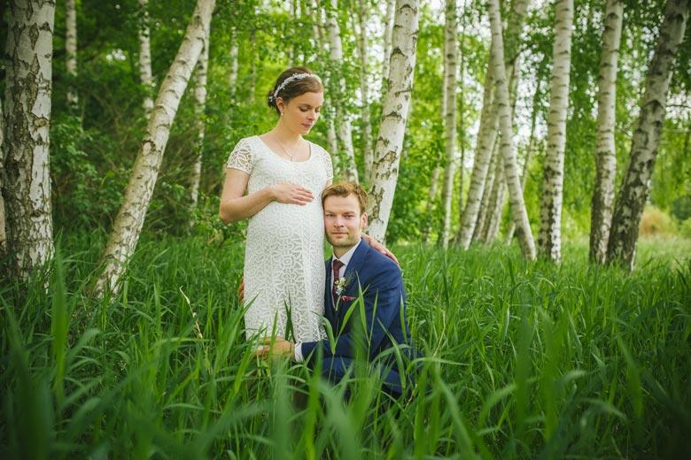 Hochzeitsfotos im Grünen Brautpaar