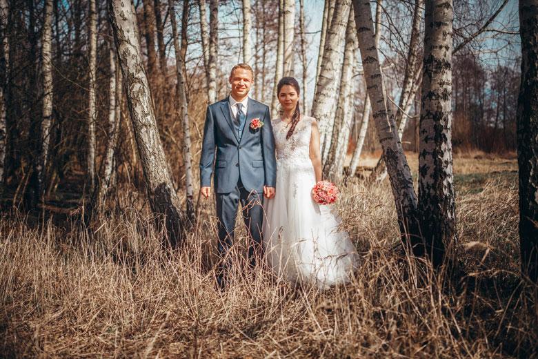 Hochzeitsfotos in der Natur Paar