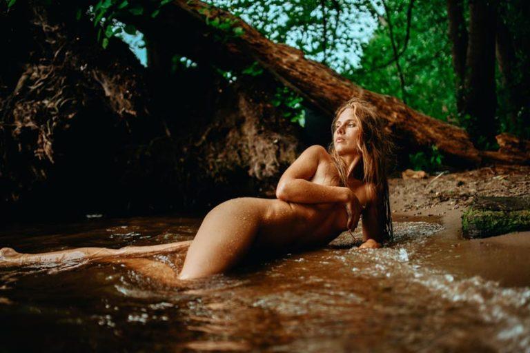 Wassershooting mit July Exotic